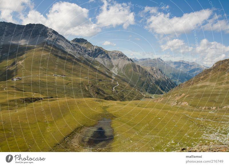 Schönes Fleckchen Natur Himmel grün blau Sommer Ferien & Urlaub & Reisen Ferne Wiese Berge u. Gebirge Umwelt Ausflug Tourismus Aussicht Alpen Gipfel Kurve