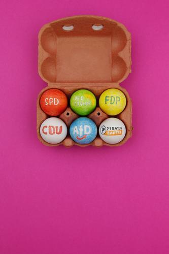#A# Wahlkampf Kunst ästhetisch wählen Ei Wahlen Eierschale Eierkarton CDU SPD FDP Bündnis 90
