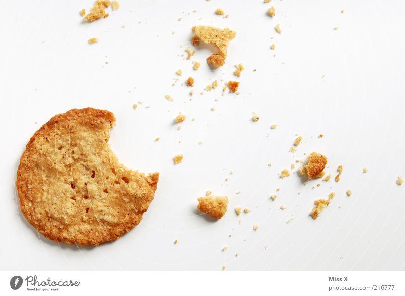 kexxx Lebensmittel Teigwaren Backwaren Süßwaren Ernährung lecker rund süß trocken Krümel Keks Plätzchen beißen Farbfoto Studioaufnahme Nahaufnahme Menschenleer