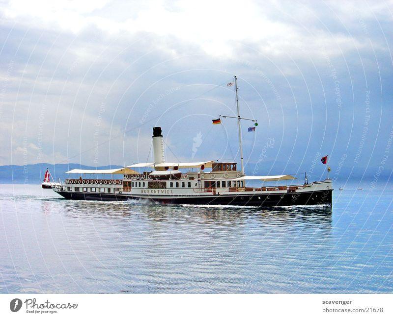 Hohentwiel Wasser weiß Sonne blau schwarz Wolken Wasserfahrzeug Deutschland Wetter Freizeit & Hobby Schweiz Schifffahrt Österreich Bodensee Dampfschiff Passagierschiff