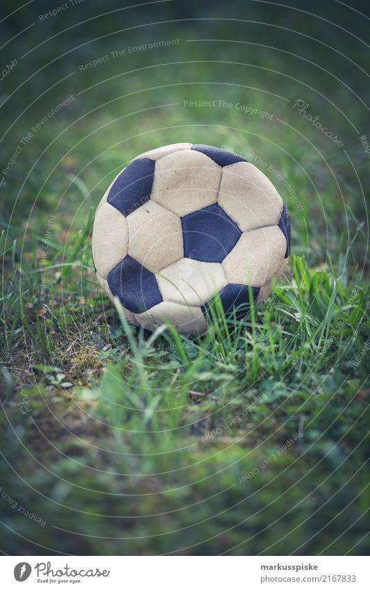 Vintage Fussball platt Freude Leben Lifestyle Sport Spielen Glück Garten Freizeit & Hobby Kindheit Fitness Fußball Sportmannschaft Sommerurlaub sportlich Ball