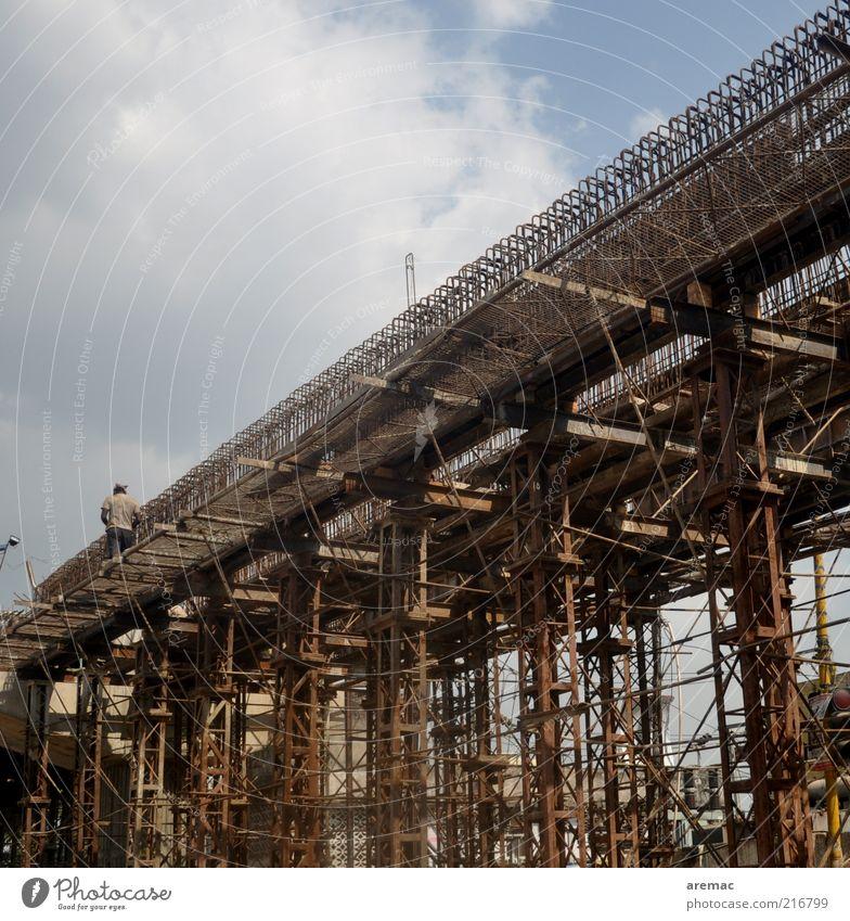 Brückenschlag Mensch Arbeit & Erwerbstätigkeit braun maskulin Baustelle Stahl Bauwerk Indien Arbeiter Baugerüst Stahlträger Gerüstbauer
