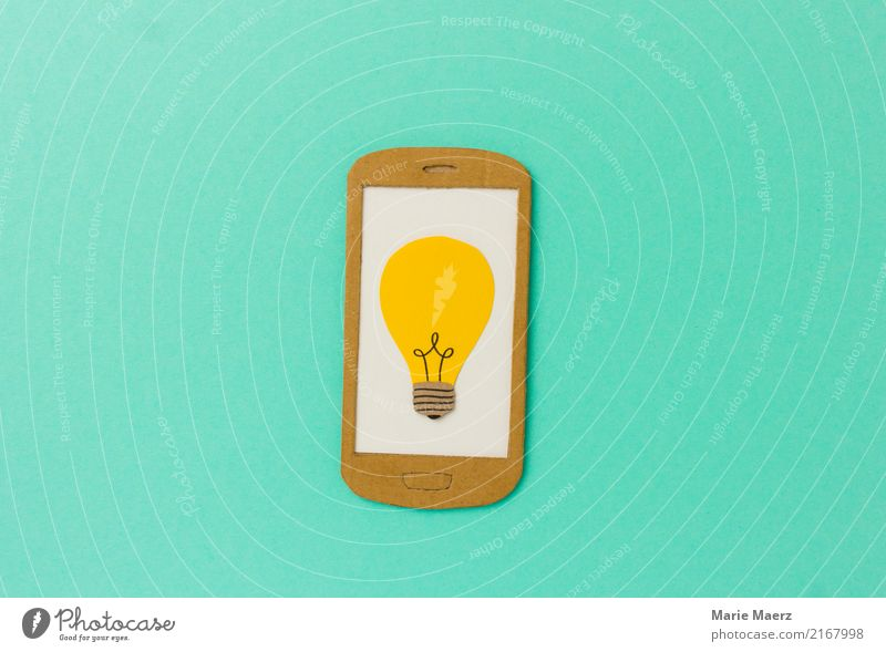 Lernen & Recherche. Gelbe Glühbirne auf Handy Display. Bildung Telefon PDA Internet entdecken lernen lesen Erfolg Unendlichkeit modern Neugier türkis Tugend