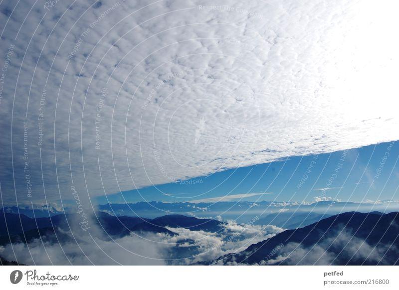 Himmelherrlichkeit Wolken Sonne Sonnenlicht Berge u. Gebirge Himalaya gigantisch Unendlichkeit blau weiß Ferne Wolkenhimmel Wolkendecke Panorama (Aussicht)