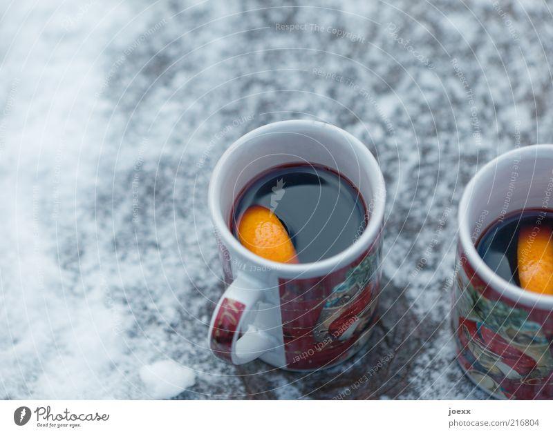 Heißer Wein Winter Schnee kalt Glühwein Orangenscheibe Tasse Weihnachten & Advent Farbfoto Außenaufnahme Tag glühweintassen Menschenleer Heißgetränk 2