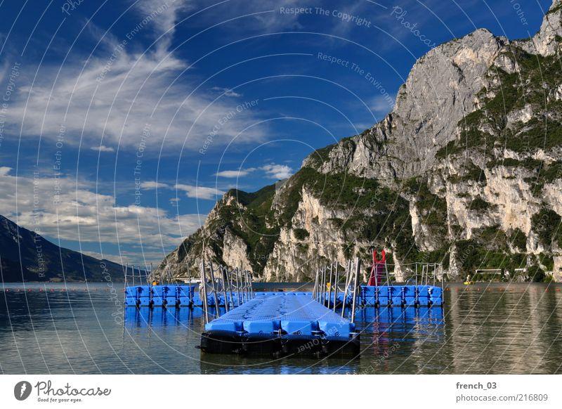 schon wieder Wasser Himmel Sonne blau Sommer Ferien & Urlaub & Reisen ruhig Wolken Ferne Erholung Berge u. Gebirge Freiheit See Umwelt leer Insel