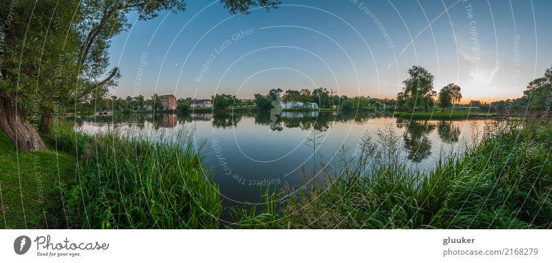 Himmel Natur alt Pflanze Sommer schön Wasser Baum Landschaft Wärme Küste Gras Gebäude See Park Aussicht