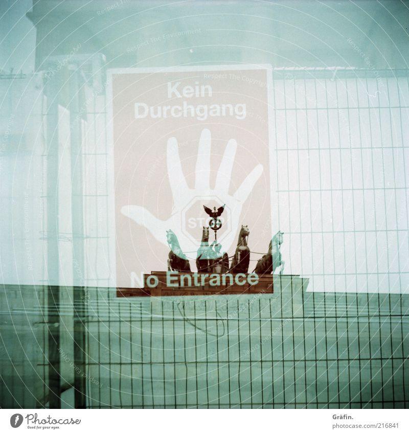 help me get through rot Berlin grau Schilder & Markierungen Schriftzeichen Buchstaben Hinweisschild Bauwerk stoppen Denkmal historisch Zaun analog