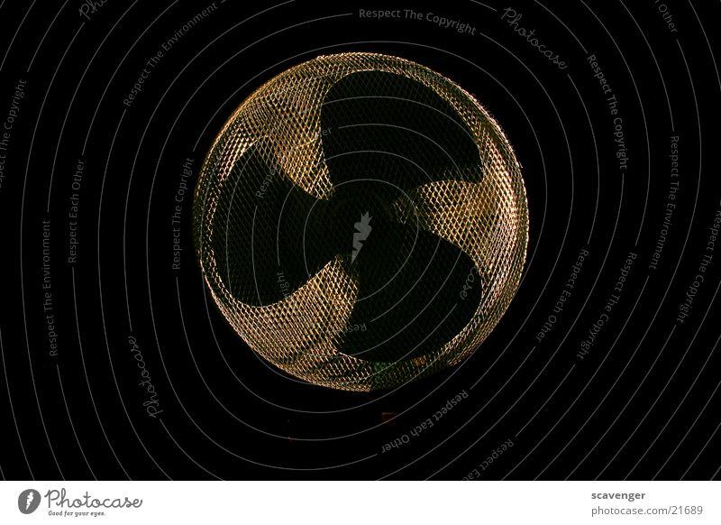 Ventilator schwarz Lampe Stil hell Beleuchtung Metall modern Technik & Technologie silber Motor Schraube Gitter Schacht Propeller Lüftung Ventilator