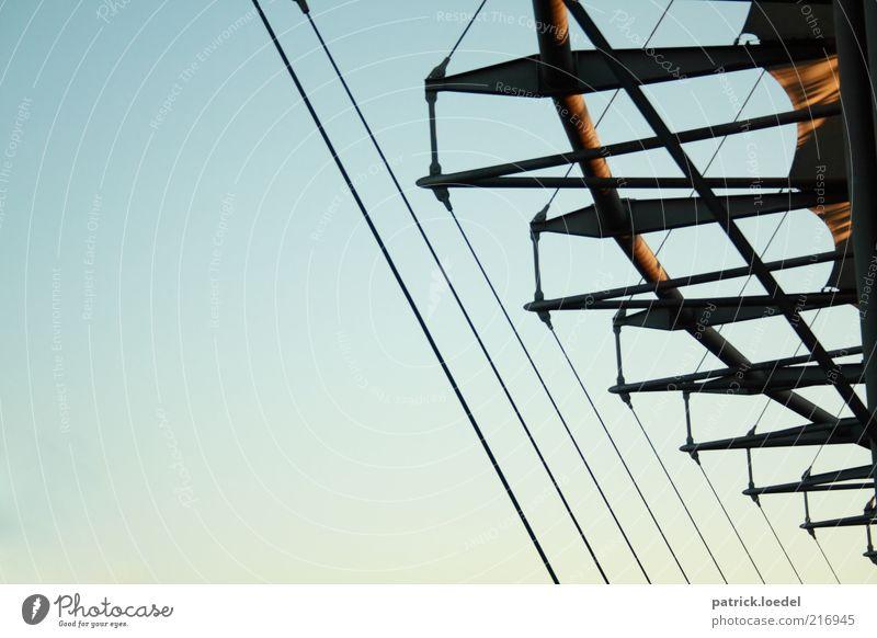 Mein Stadion Bauwerk Architektur Stahl ästhetisch außergewöhnlich Strukturen & Formen Seil Träger Himmel himmelblau Farbfoto Gedeckte Farben Außenaufnahme