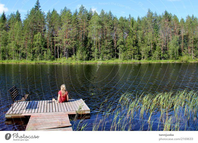 Junge Schönheit genießen die Beschaffenheit von Finnland, Karelien schön Erholung Ferien & Urlaub & Reisen Tourismus Camping Sommer Frau Erwachsene 1 Mensch