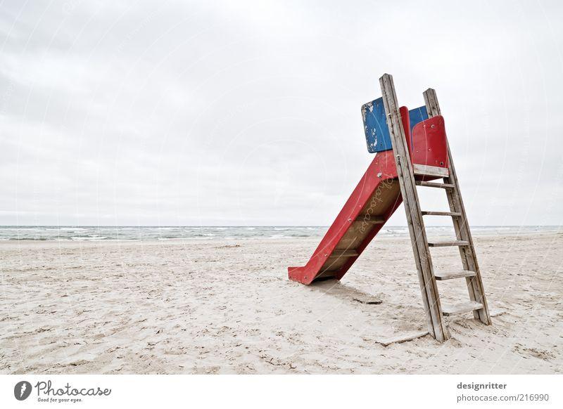Generation Play Station Himmel Meer Einsamkeit Ferne Sand Küste Wind Wetter Horizont Spielzeug Kindheit Langeweile Nordsee ausdruckslos Spielplatz