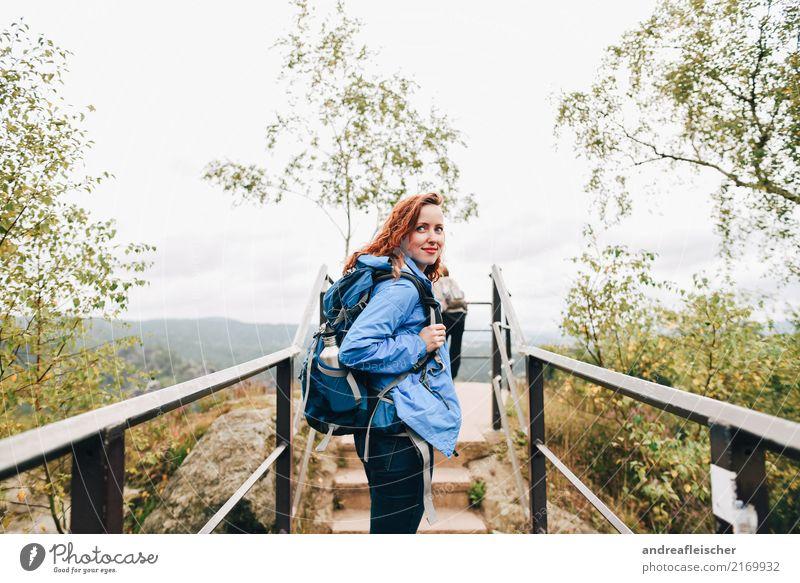 Sächsische Schweiz Mensch Ferien & Urlaub & Reisen Jugendliche Junge Frau Sommer Landschaft Wolken Freude Ferne Berge u. Gebirge 18-30 Jahre Erwachsene