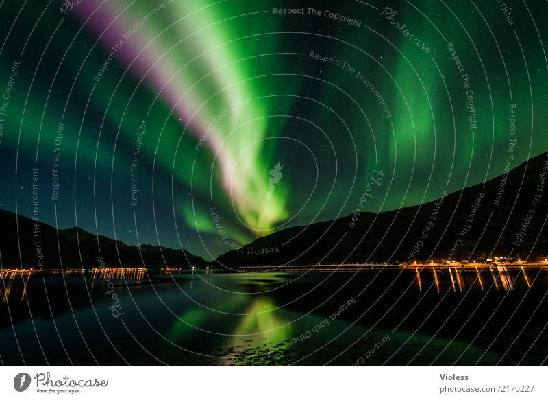Aurora Borealis grün Norwegen Lichterscheinung Reflexion & Spiegelung Silhouette Kontrast Schatten demütig geheimnisvoll Surrealismus Nacht Unendlichkeit