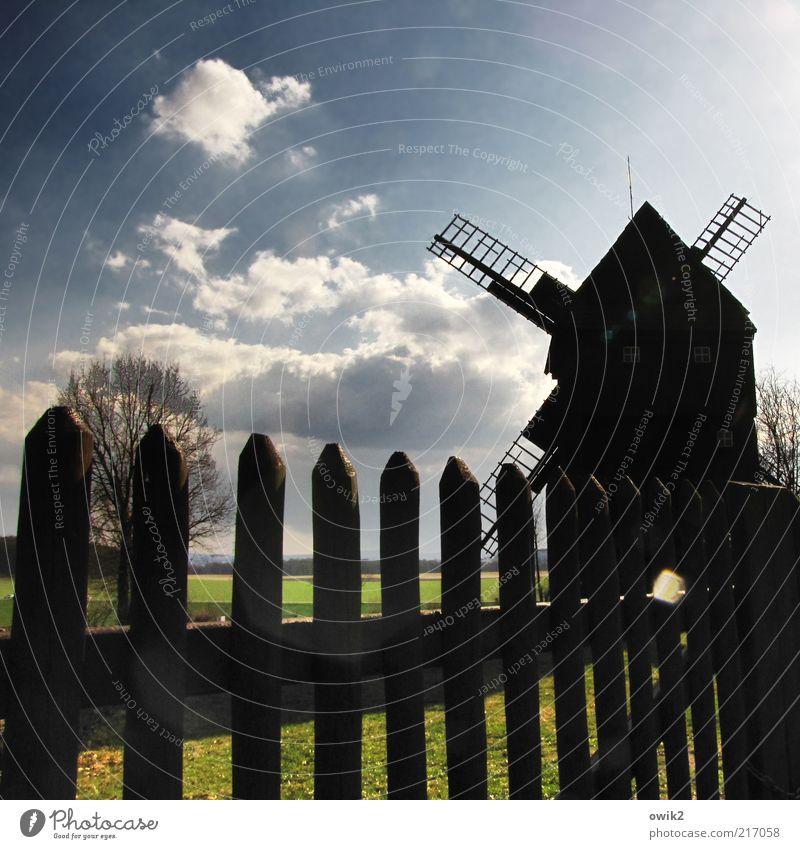 Don Q. bleibt draußen Windmühle Windmühlenflügel Müller Umwelt Natur Landschaft Himmel Wolken Klima Wetter Schönes Wetter Lausitz Sachsen Deutschland Bauwerk