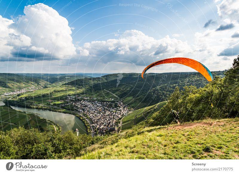 Und los geht's... Mensch Himmel Natur Ferien & Urlaub & Reisen Sommer Stadt Sonne Landschaft Wolken Freude Berge u. Gebirge Wiese Sport Tourismus Freiheit