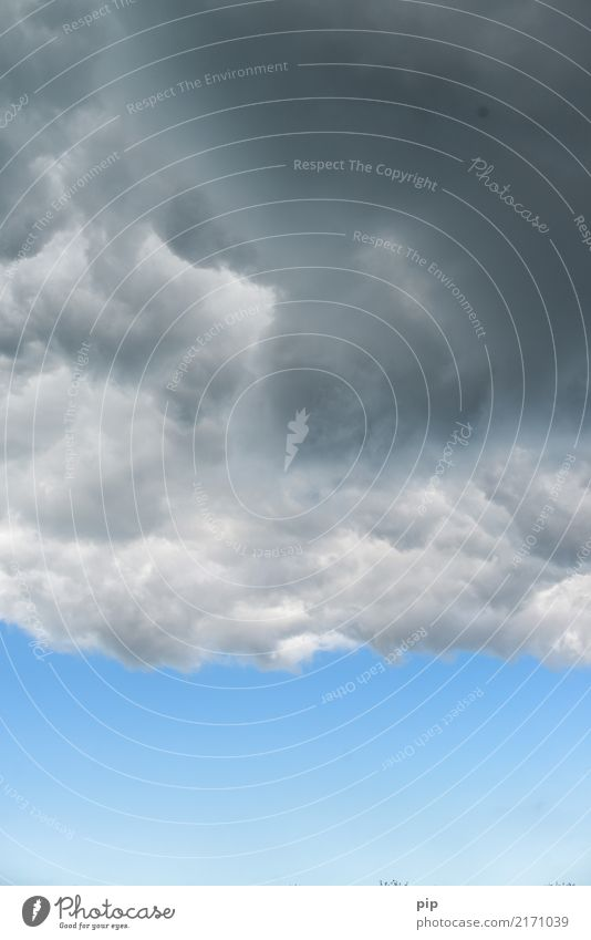 wolkenbruch Himmel blau Wolken Umwelt grau Luft Klima bedrohlich Unwetter Blauer Himmel schlechtes Wetter graue Wolken