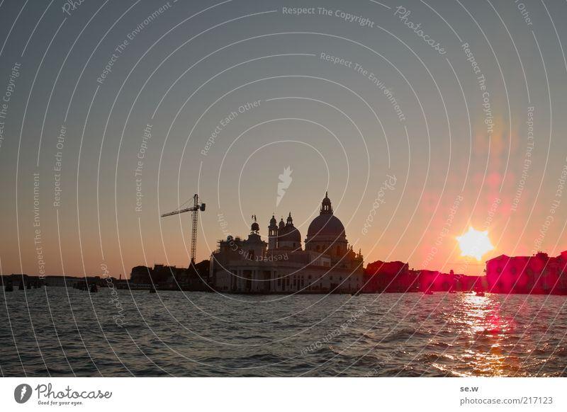 Venezia [1] Kran Baukran Meer Venedig Skyline Sehenswürdigkeit glänzend Ferien & Urlaub & Reisen schön Wandel & Veränderung Kanal Canal Grande Menschenleer