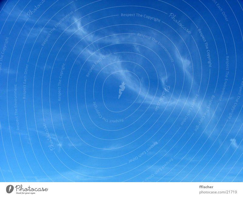 BlueSky Himmel weiß blau Sommer Wolken dunkel hell Übergang hell-blau