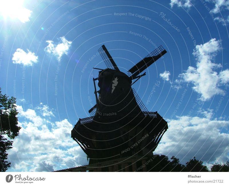 Silhouettenmühle Mühle Schloss Sanssouci Park Sommer Wolken schwarz Schatten Sonne Himmel blau