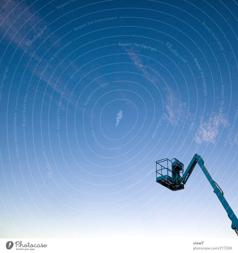 dem Himmel so nah blau Sommer Ferne kalt oben Metall elegant modern neu fahren einfach Baustelle dünn Dienstleistungsgewerbe Stahl
