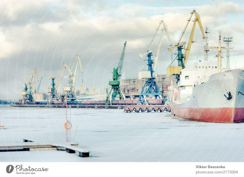 Frachthafen auf einem gefrorenen Fluss Sonne Meer Winter Schnee Industrie Business Natur Landschaft Himmel Ostsee Hafen Verkehr Wasserfahrzeug Container
