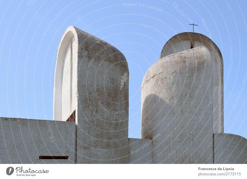 Notre Dame du Haut I blau weiß Religion & Glaube Architektur Wand Kunst Mauer außergewöhnlich Design Horizont modern Kirche ästhetisch Perspektive einzigartig