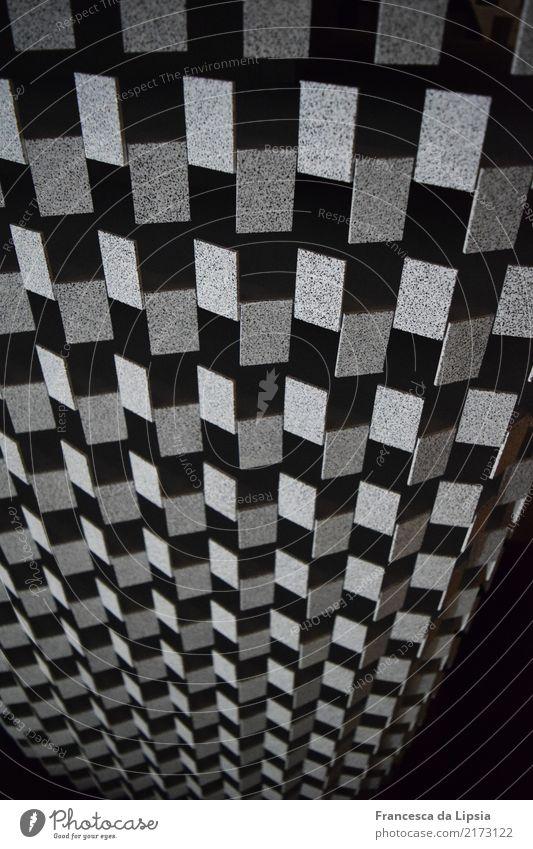 Silberplättchen Kunst Ausstellung Kunstwerk Skulptur Architektur Menschenleer Fassade ästhetisch eckig einfach elegant kalt modern grau schwarz weiß Bewegung