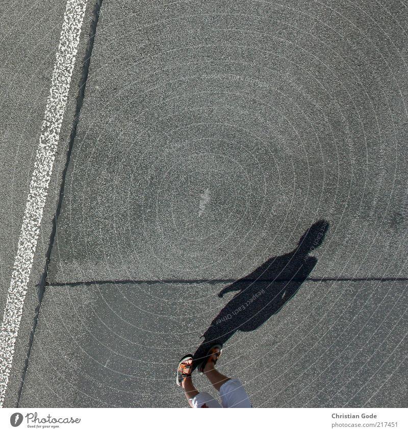 I'm walking Mensch feminin Frau Erwachsene Beine Fuß grau Asphalt Schatten Licht Sandale Silhouette Linie Begrenzung Straße laufen Spaziergang Sonnenlicht Hose