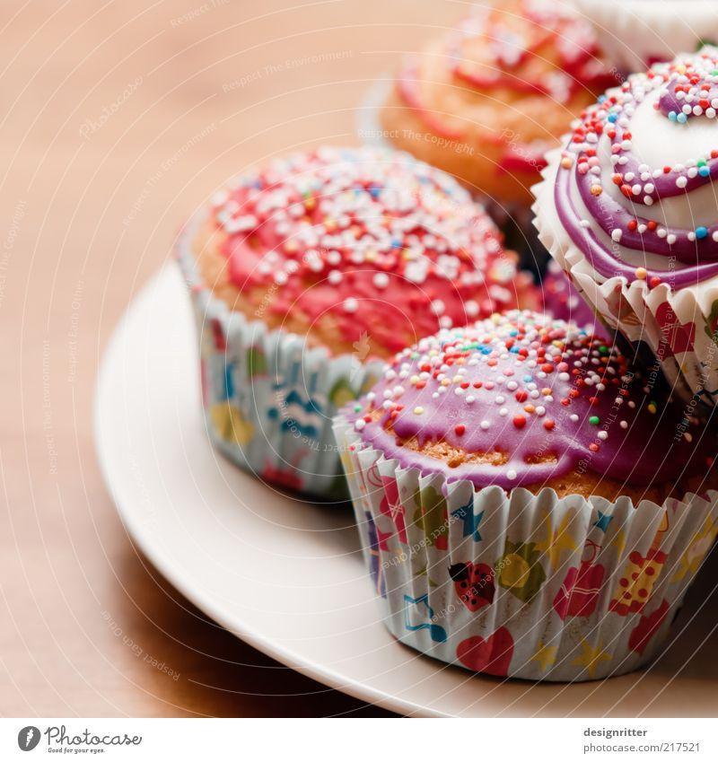 Greift zu … Kuchen Süßwaren Muffin Streusel Feste & Feiern Geburtstag Kindergeburtstag Kindergarten Kindheit Fröhlichkeit hell schön lecker süß Freude