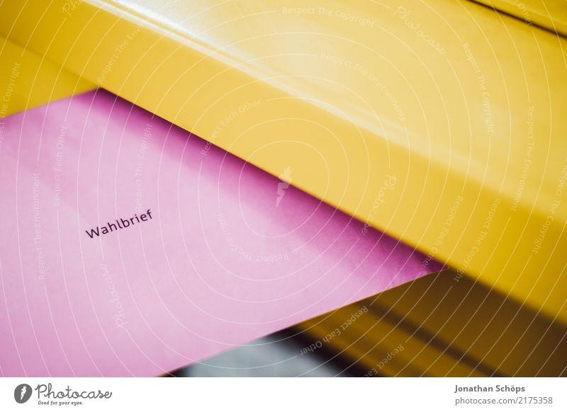 Briefwahl zur Bundestagswahl 2021 – Wahlbrief am Briefkasten Deutscher Bundestag wählen gelb rosa Entschlossenheit Gesellschaft (Soziologie) Bundestagswahlen