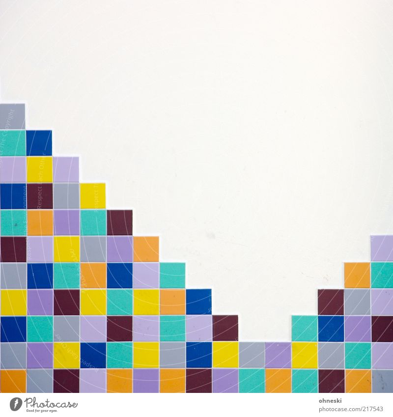 Bunt Bauwerk Gebäude Mauer Wand Fassade Fliesen u. Kacheln Mosaik mehrfarbig Design Ordnung Farbfoto Außenaufnahme Textfreiraum oben Textfreiraum Mitte