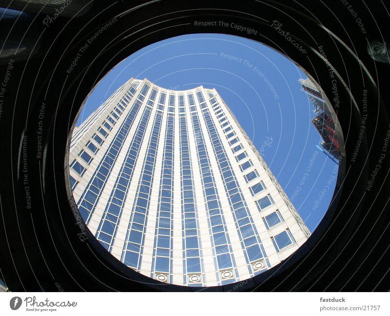 Himmelwärts Himmel blau Winter Architektur Hochhaus New York City Haus