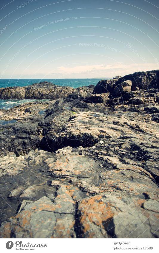 graublau Umwelt Natur Landschaft Urelemente Wasser Himmel Küste Strand Bucht Meer Insel ästhetisch Stein Felsküste Felsen England Cornwall Großbritannien