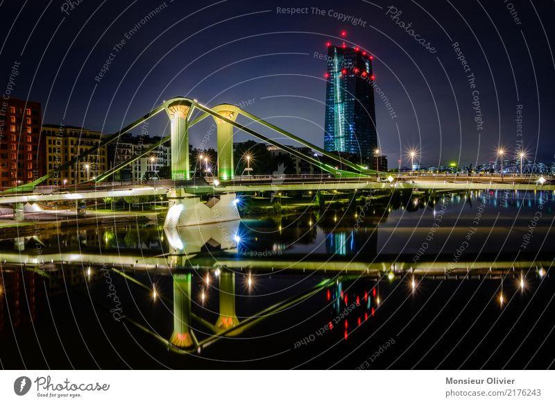 Frankfurt am Main, Europäische Zentralbank EZB Skyline Hochhaus Stadt Großstadt Fluss Hessen Deutschland Bankgebäude Bankenviertel Nacht Morgen Morgendämmerung