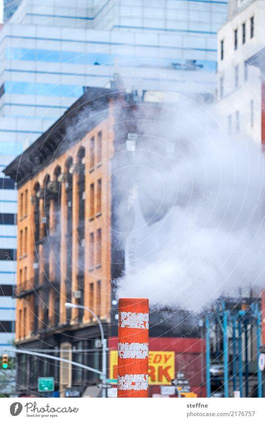 Smoke & Mirrors I Stadt Rauch Manhattan New York City Auspuff