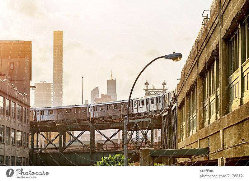 von Queens 04 New York City USA Manhattan Queensborough Brücke Hochhaus Skyline Sommer Stadtleben Eisenbahn U-Bahn Hochbahn