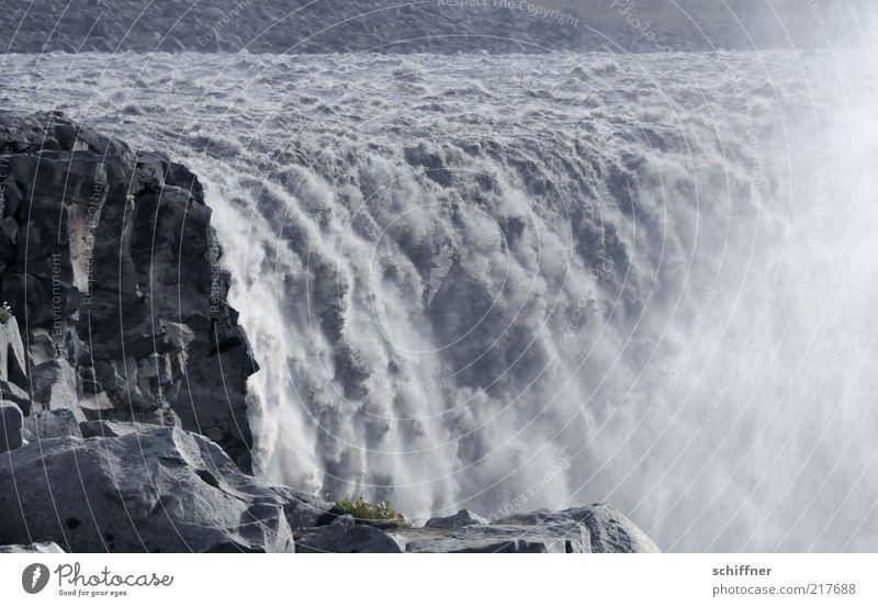 Wasservorhangproduzierer Stein Felsen ästhetisch Geschwindigkeit bedrohlich fallen Flussufer Sturz Island fließen Wasserfall Lichtschein laut Gischt Wasserdampf