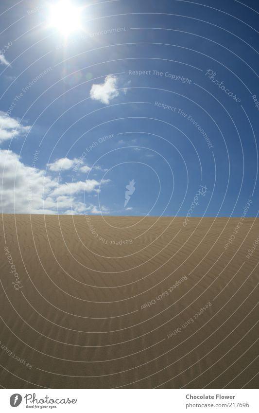 Wüstensonne Landschaft Sand Himmel Wolken Sonne Schönes Wetter Hügel Natur Farbfoto Außenaufnahme Menschenleer Tag Kontrast Sonnenlicht Textfreiraum unten