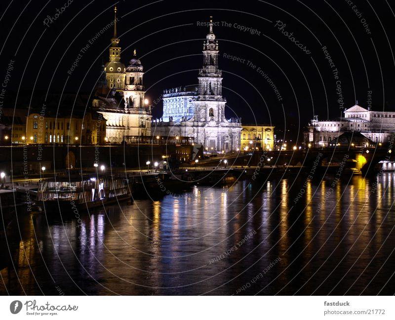 Nights in Dresden Winter Nacht Architektur drittes Teil einer nicht endenden Saga