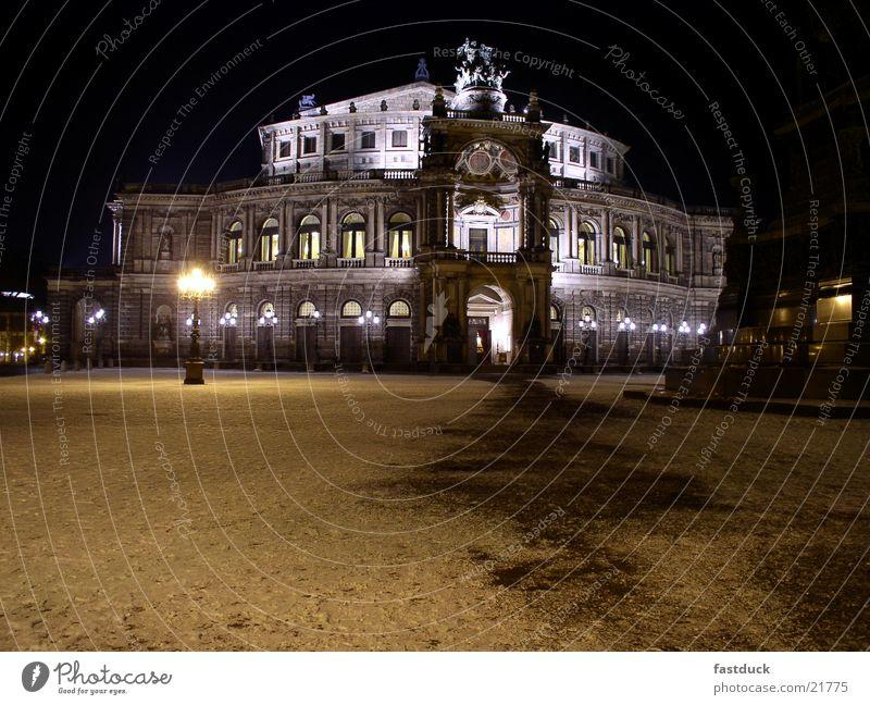 Semperoper weiß Winter schwarz Architektur Dresden Oper Sachsen
