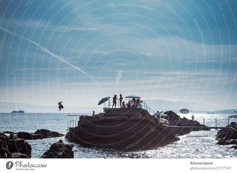 Arschbombe Lifestyle Ferien & Urlaub & Reisen Abenteuer Ferne Freiheit Sommer Sommerurlaub Sonnenbad Strand Meer Insel Mensch Menschengruppe Wasser