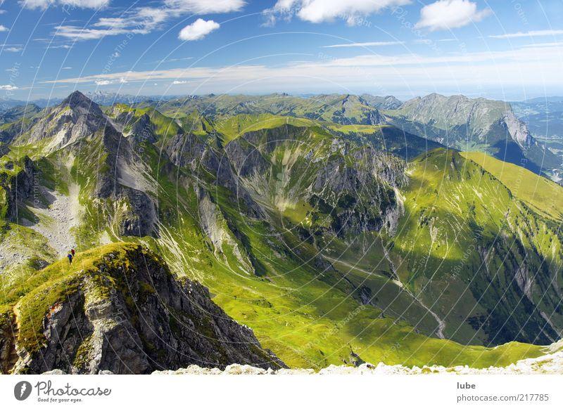 Bregenzerwald von oben Natur grün Ferien & Urlaub & Reisen Sommer Wolken Einsamkeit Ferne Umwelt Wiese Landschaft Berge u. Gebirge Freiheit Felsen Klima Tourismus Alpen