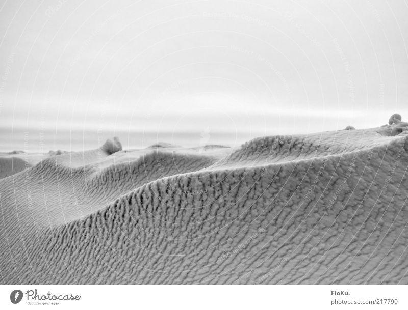 (Vanille)Eislandschaft Himmel weiß Winter kalt Schnee Berge u. Gebirge grau Landschaft Wellen Wetter Umwelt Horizont Frost Klima außergewöhnlich