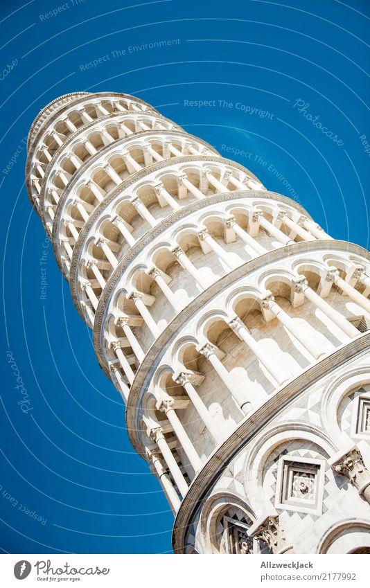 in Pisa Himmel Sommer hoch Italien Turm Neigung Sehenswürdigkeit Bauwerk Wahrzeichen Wolkenloser Himmel Blauer Himmel umfallen