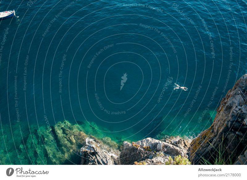 freischwimmer 1 Mensch Ferien & Urlaub & Reisen Mann blau Sommer Meer Erwachsene Küste Tourismus Freiheit Schwimmen & Baden Ausflug Körper genießen Abenteuer