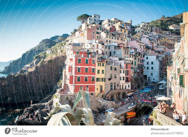 Cinque Terre 1 Ferien & Urlaub & Reisen Tourismus Ausflug Sightseeing Städtereise Sommer Sommerurlaub Meer Insel Berge u. Gebirge Wolkenloser Himmel