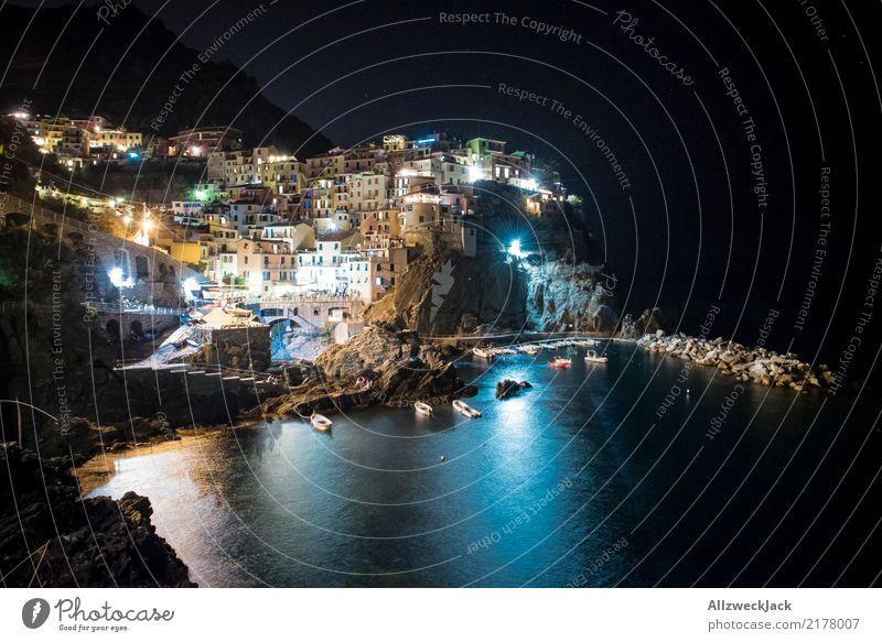 Cinque Terre 5 Ferien & Urlaub & Reisen Sommer Meer Berge u. Gebirge Beleuchtung Küste Tourismus Felsen Ausflug leuchten ästhetisch Insel Italien Sommerurlaub