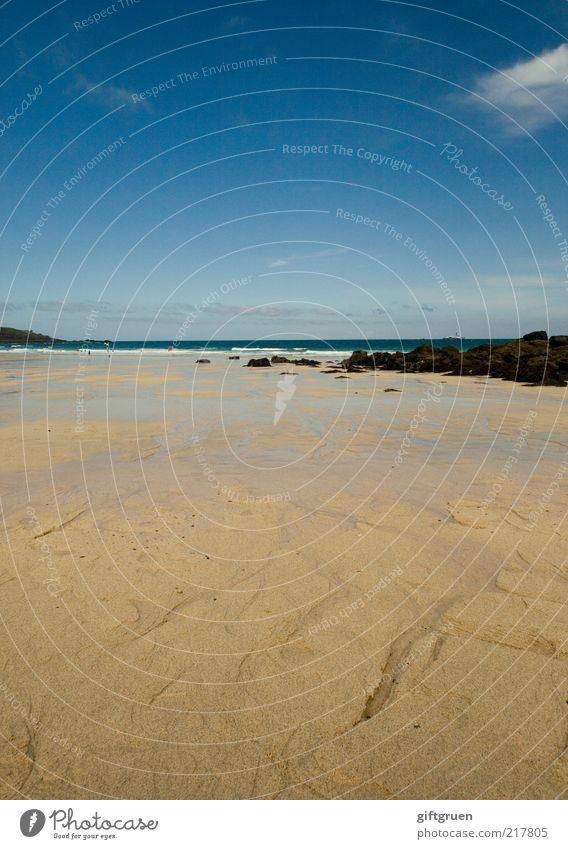 sonne, strand & meer Umwelt Natur Landschaft Urelemente Sand Wasser Himmel Sommer Wetter Schönes Wetter Küste Strand Meer Insel genießen schön blau Einsamkeit