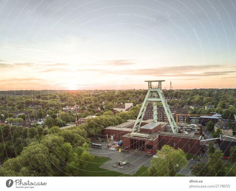 Ruhrpott Sunrise Energiewirtschaft Bergbau Bochum Deutschland Stadt Stadtzentrum Skyline Fabrik Bauwerk Gebäude Zeche Sehenswürdigkeit Wahrzeichen authentisch